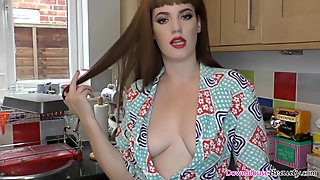 Hot sexy ass Zoe Page enjoying herself with downblouse
